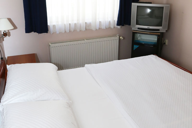 Double room – large bed